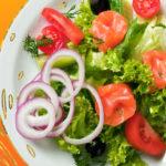 10+ простых и вкусных салатов с сёмгой и другой красной рыбой