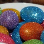 Как и чем красить яйца на пасху 2021 в домашних условиях — 30 способов крашеных яиц и украшений