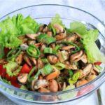 Салат с мидиями: топ вкусных рецептов которые понравятся каждому